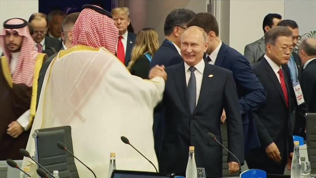 Russian President Vladimir Putin and Saudi Crown Prince Mohammed bin Salman attend the G20 leaders summit in Buenos Aires, Argentina, on Nov. 30, 2018.